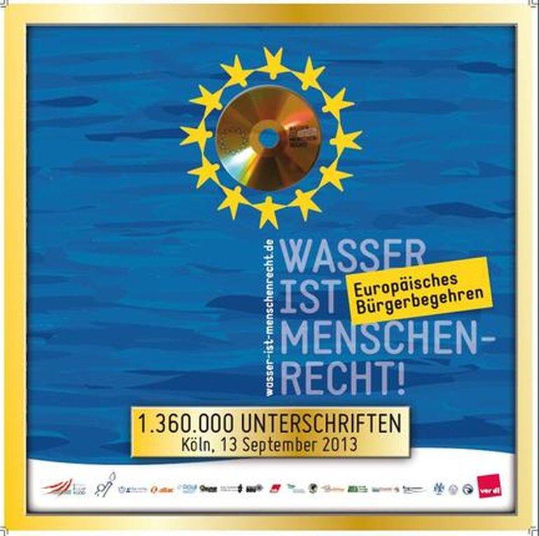 Plakat von Wasser ist Menschenrecht  mit goldener Unterschriften DVD