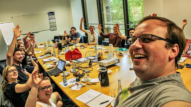 Die Tarifkommission der RWE Jugend hat die Forderungen zu den Tarifverhandlungen 2016 erfolgreich beschlossen